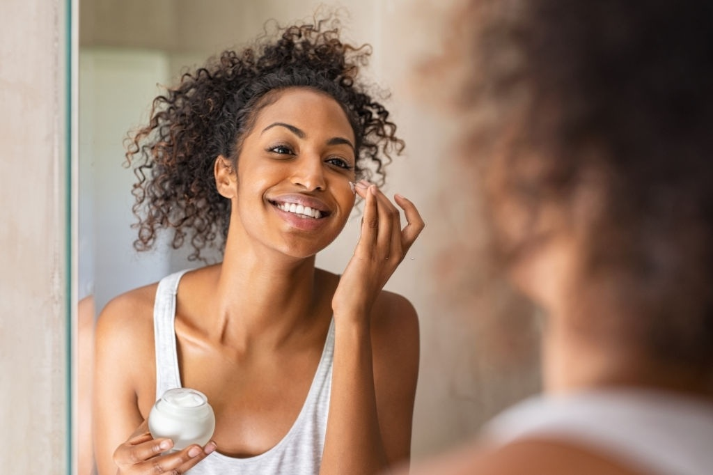 How to Lighten Skin Tone for African Americans